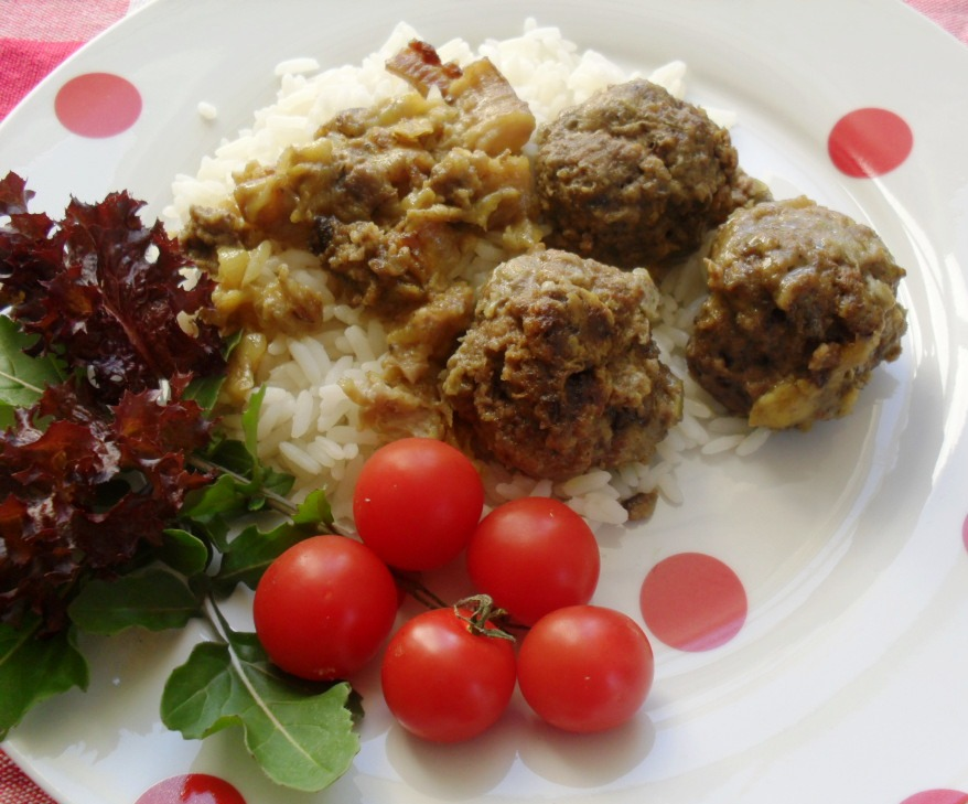 Meatballs with a banana sauce recipe