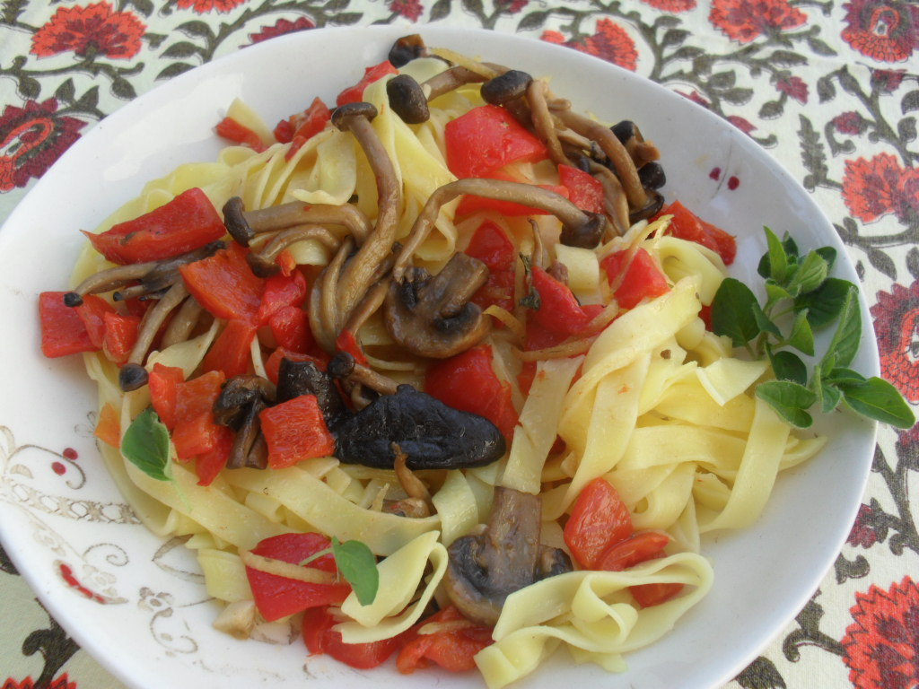 Summery pasta with mushrooms recipe