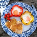 eggs baked in sweet pepper rings