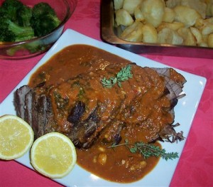 roast beef with spicy tomato sauce
