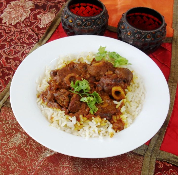 Lamb knuckle curry