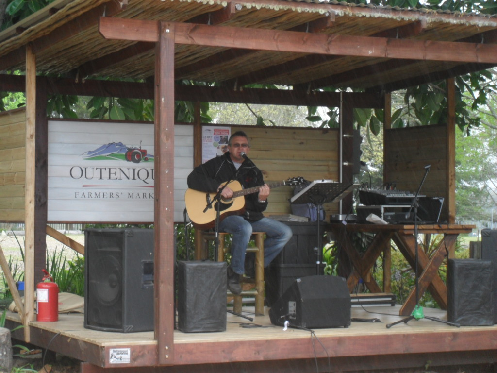 Entertainment at Outeniqua Farmer's Market