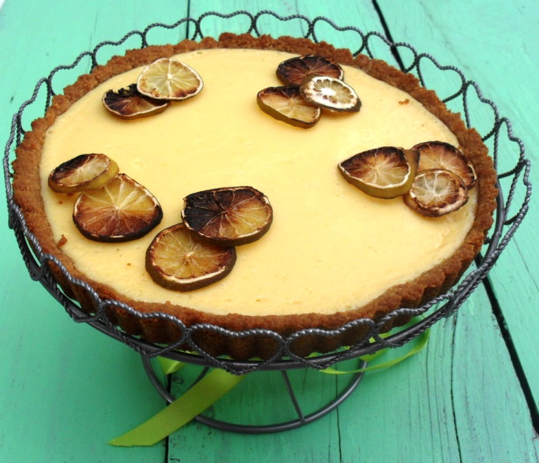 Tart with limes and condensed milk