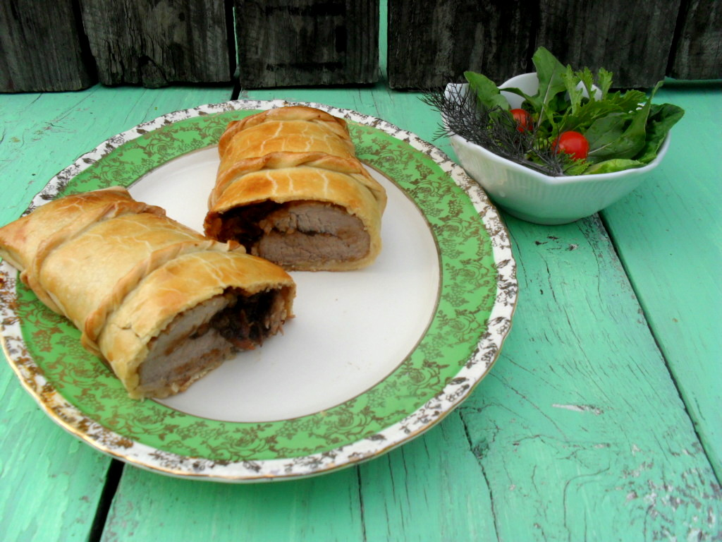 Pork fillet stuffed with prunes