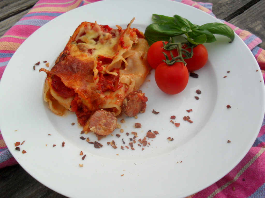 Lasagne rolls filled with chorizo