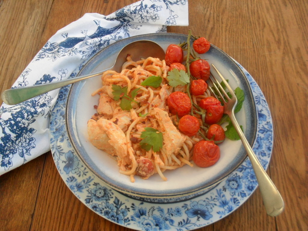 Herby tomato and chicken sauce for spaghetti