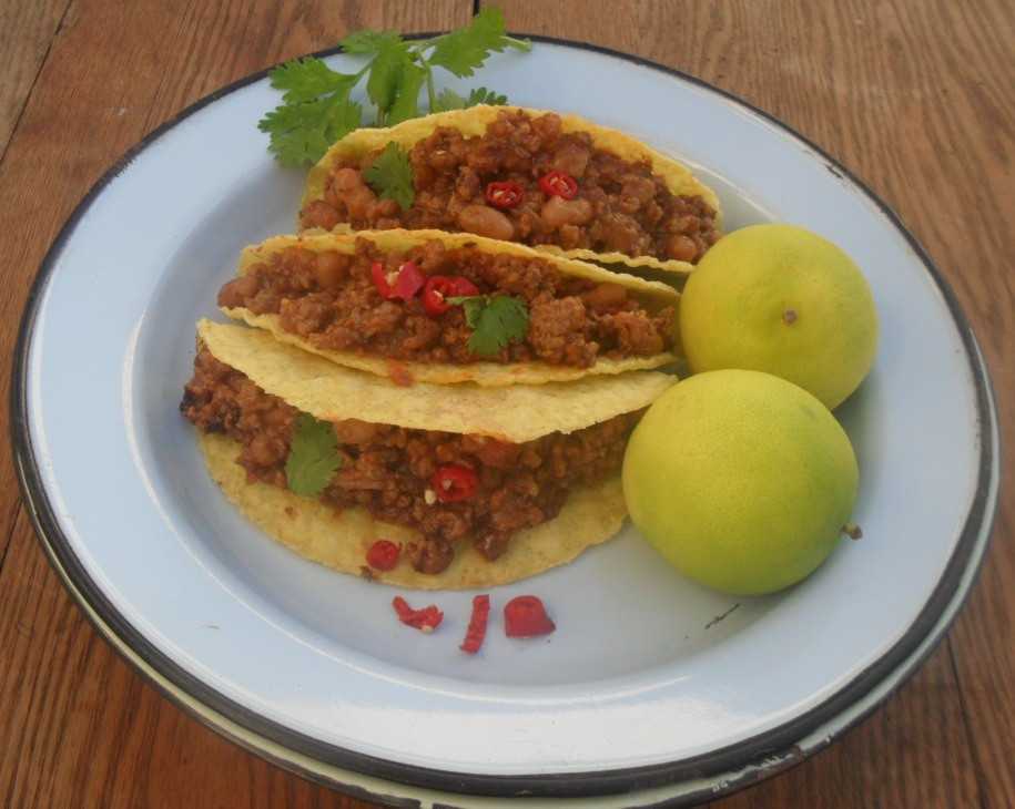 Chilli con carne in tacos