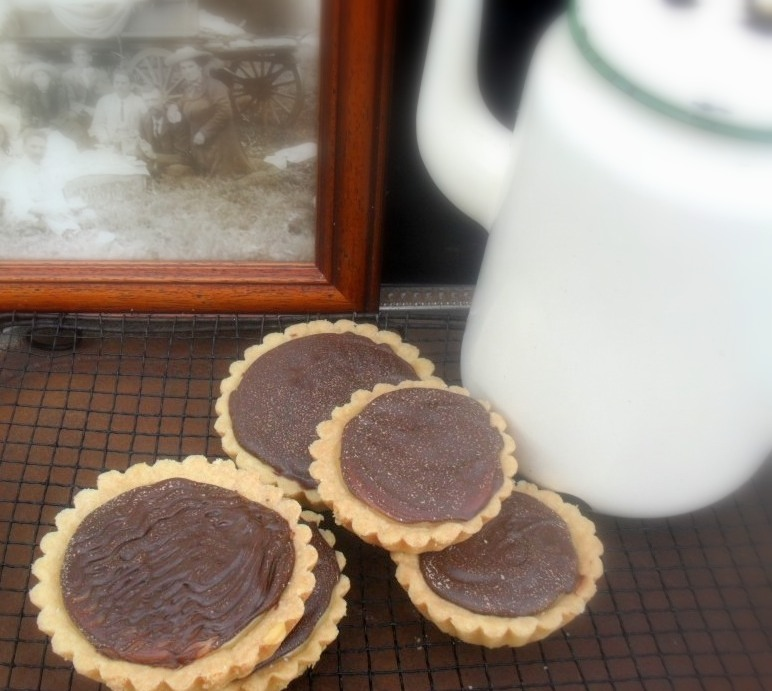 layered caramel tartlets