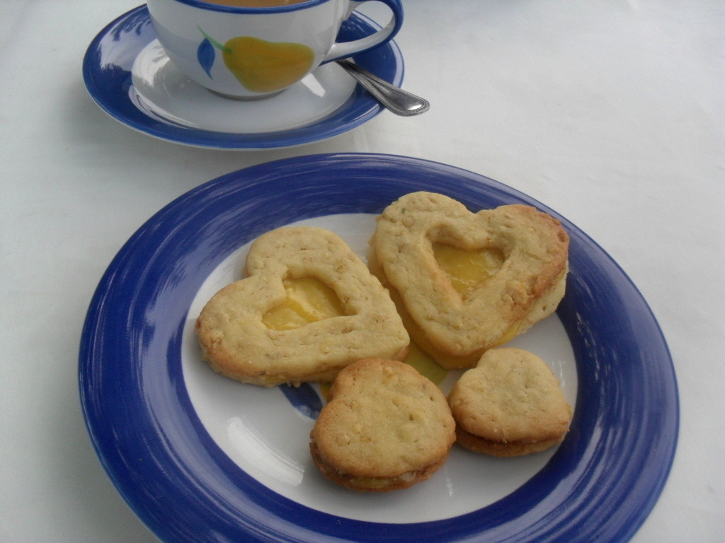 Coffee with oats and lemon biscuits