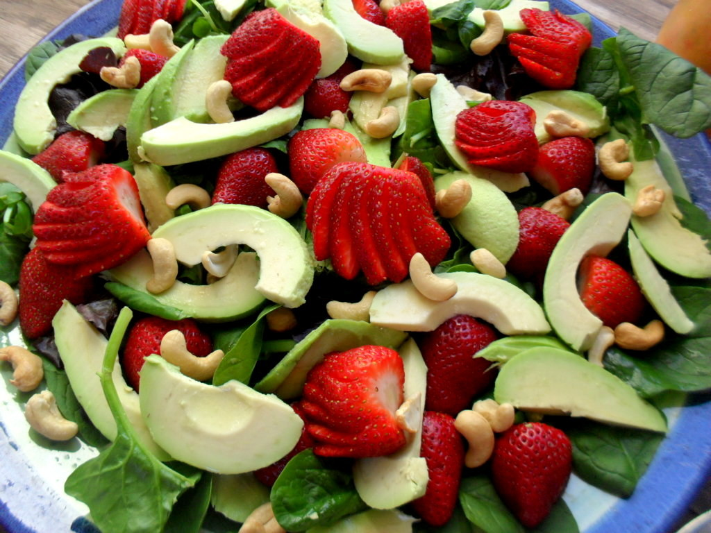 strawberry salad with avocadoes