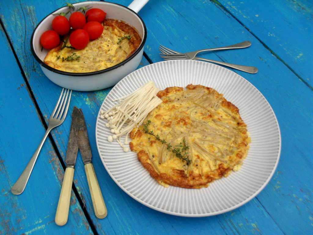 Frittata with enoki mushrooms